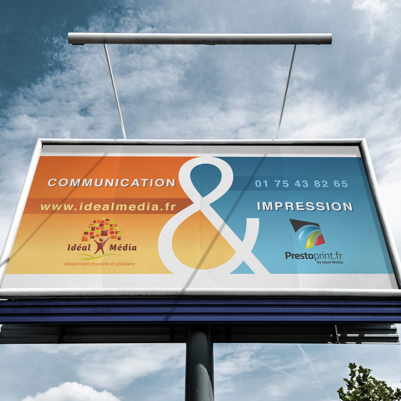 Photo de panneau enseigne d'une agence de communication